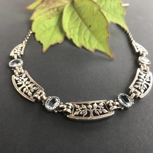 Trachtenkette Silber mit Lebensbaum Motiv mit blauem Spinell