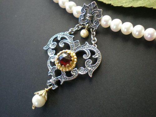 Perlenkette Flora mit Granat
