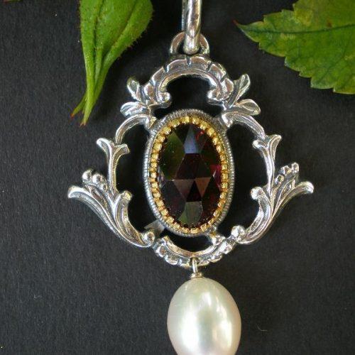 Trachtenanhänger Diana Granat und Perle