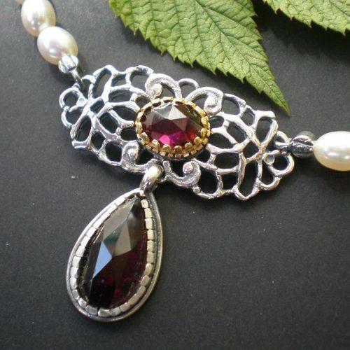 Trachtencollier Brigitte mit Perlenkette und Granat