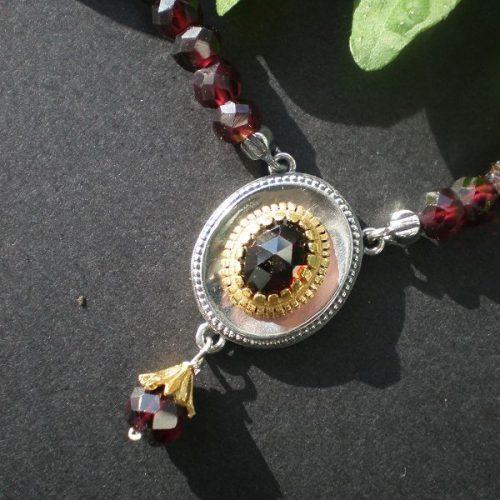 Trachtenkette mit Granat und Gold Details