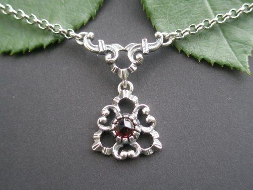 Silberne Trachtenkette mit Granat Daniela