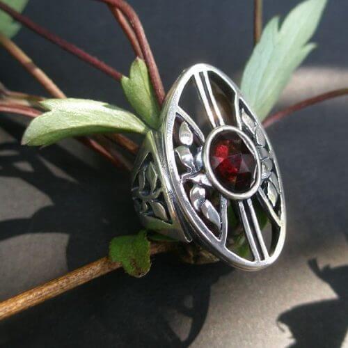 Silberring Lebensbaum mit Granat