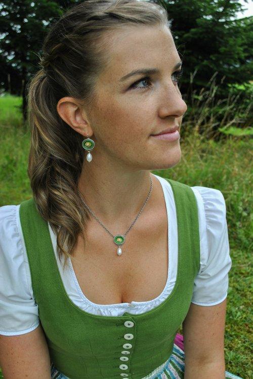 Dirndlschmuck Grün Ohrringe und Kette