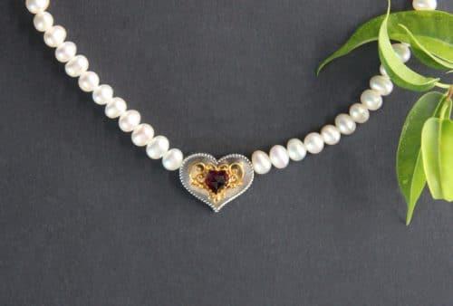 Dirndlschmuck Perlenkette Herz Filigran
