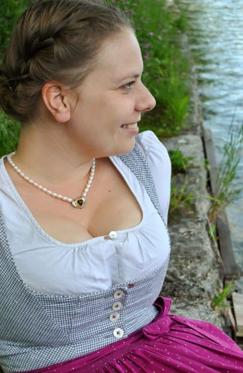 Dirndlschmuck Sophie mit Granat
