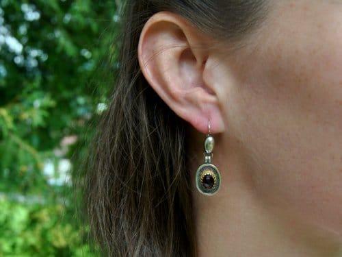 Dirndlschmuck Ohrringe aus Silber mit Granat