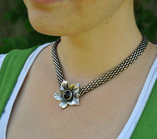 Trachtenkette Silber mit Narzissen Motiv
