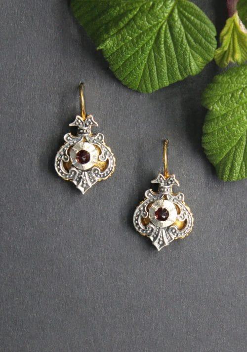 Originaler Trachtenschmuck aus der Steiermark, Ohrringe in Silber und Granat