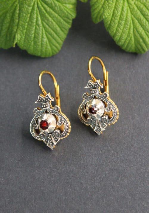 Dirndlschmuck Ohrringe in Silber und Silber-vergoldet mit Granat