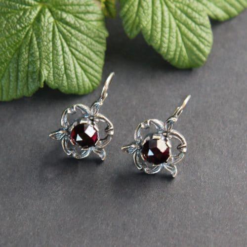 Echte Trachtenschmuck Ohrringe in Silber mit Granat