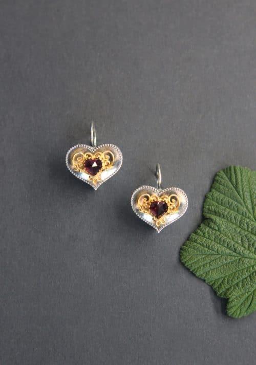 Trachtenschmuck für Damen: Ohrringe in Herzform