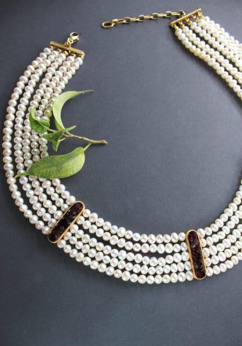 Hochwertiges 5-reihiges Perlencollier mit Granat