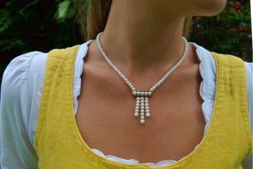 Perlenkette Lea getragen