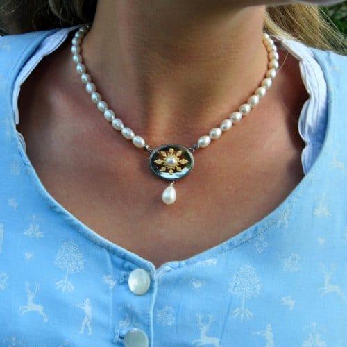 Perlenkette mit Stern