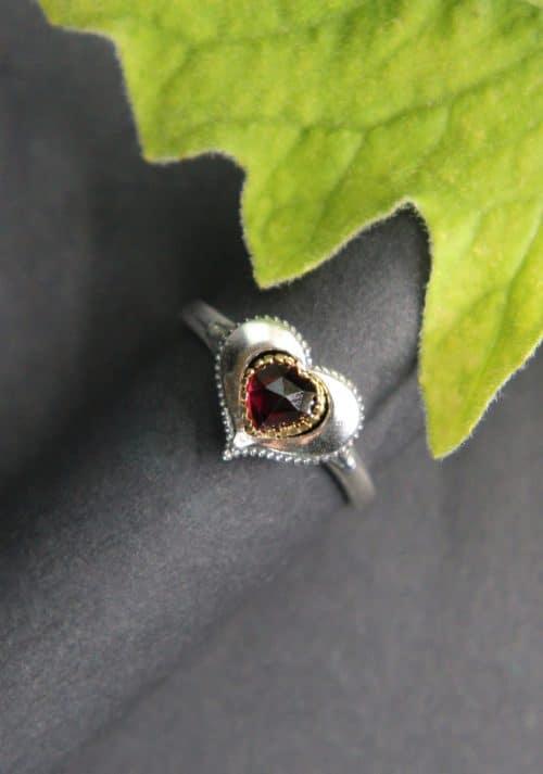 Trachtenschmuck Ring mit Granat
