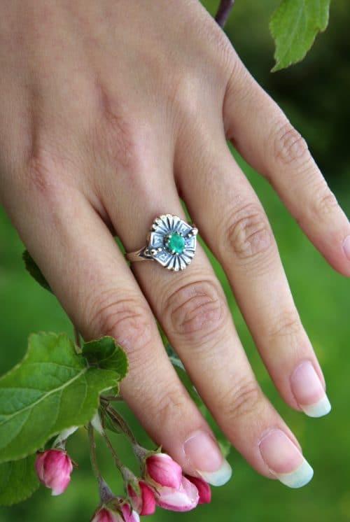 Trachtenschmuck Silberring mit Smaragd
