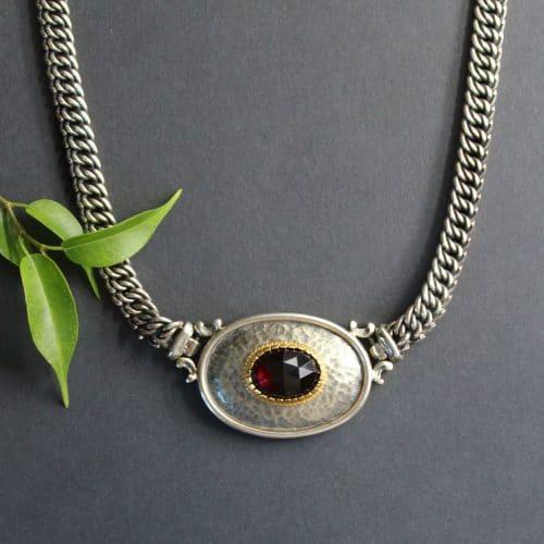 Trachtenschmuck Silber: Trachtencollier Mariella groß mit Granat
