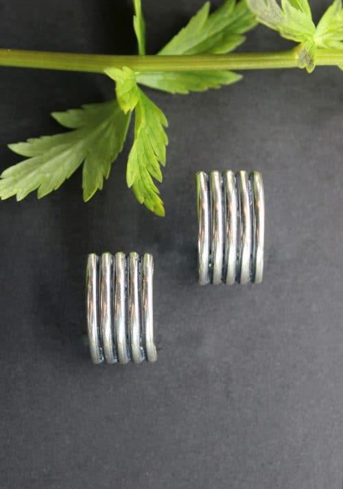 Moderne Trachtenschmuck Ohrclips mit Stift in Silber