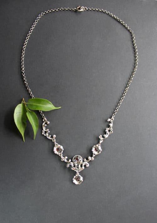 Trachtenschmuck Trachtenkette in Silber und Granat