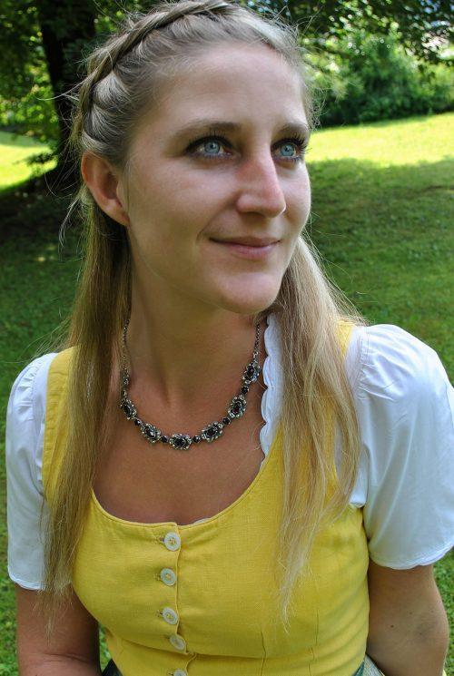 Dirndlschmuck Trachtenkette Gerda Silber mit Granat