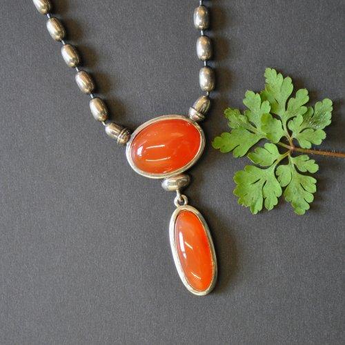 """Moderner Trachtenschmuck: Halskette """"Anita"""" aus SIlber mit Schmucksteinen Orange/Karneol"""