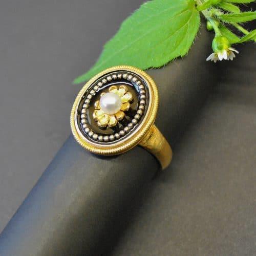 Schöner Silberring vergoldet zum Dirndl mit Blumenmotiv