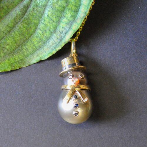 Anhänger Schneemann aus Tahiti Perle