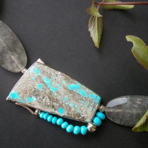 Collier mit Silberschließe und persischem Türkis mit Rutilquarz gefädelt