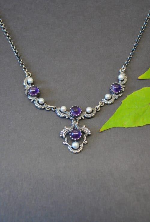 Trachtenschmuck Silber: Halskette Jutta mit Amethyst und Perlen