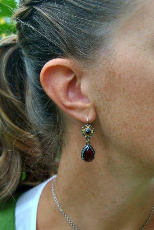 Dirndlschmuck Ohrringe Fiona mit Granat