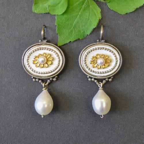 Ohrringe Trachtenschmuck weiß mit Perlen