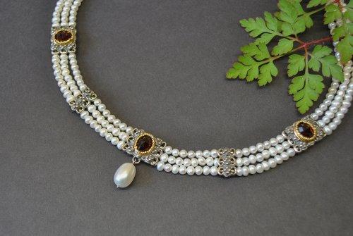 Hochwertiges Perlencollier mti Granat