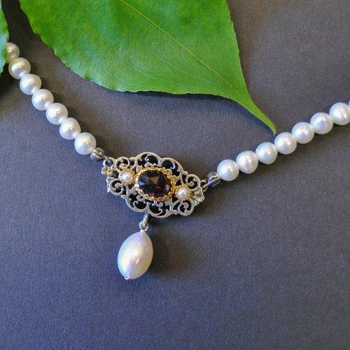 Schmuck zum Dirndl: Perlenkette Klara mit Schließe aus Silber
