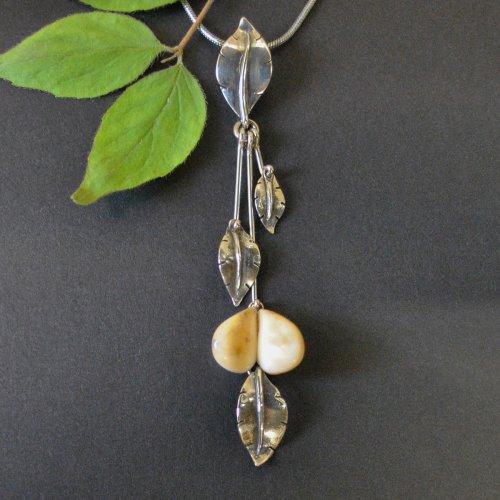 Silberkette mit Grandel und Blättern aus Silber