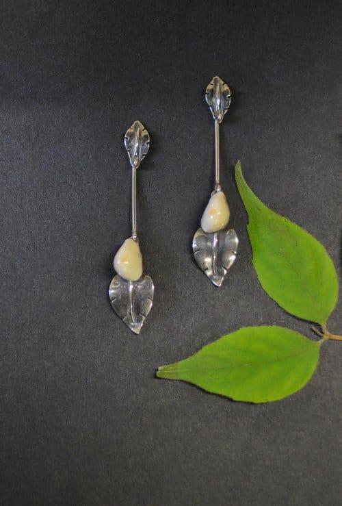 Ohrstecker Silber mit Grandel und Blattoptik