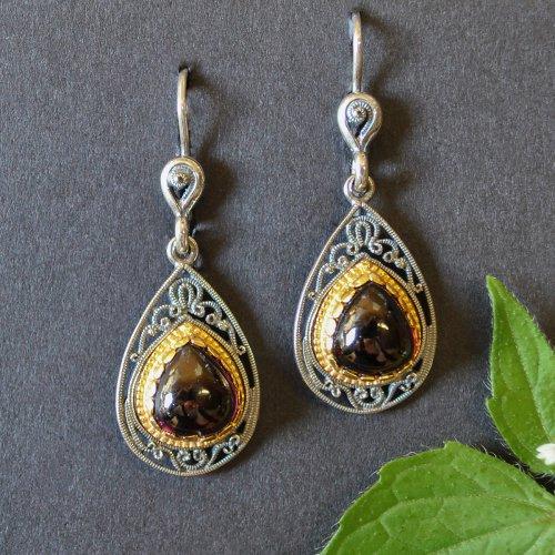 Silberne Ohrringe mit Granat