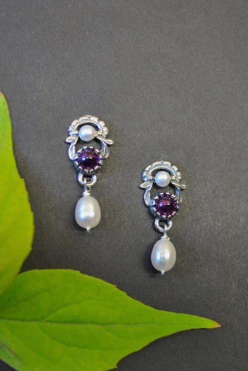 Dirndlschmuck Silber: Trachten Ohrringe Jutta aus Silber mit einem Amethyst