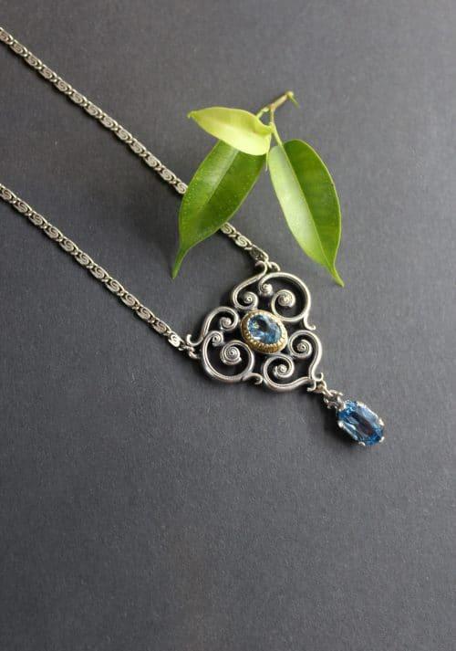 Moderne Trachtenkette in Silber, gefasst mit blauem Spinell