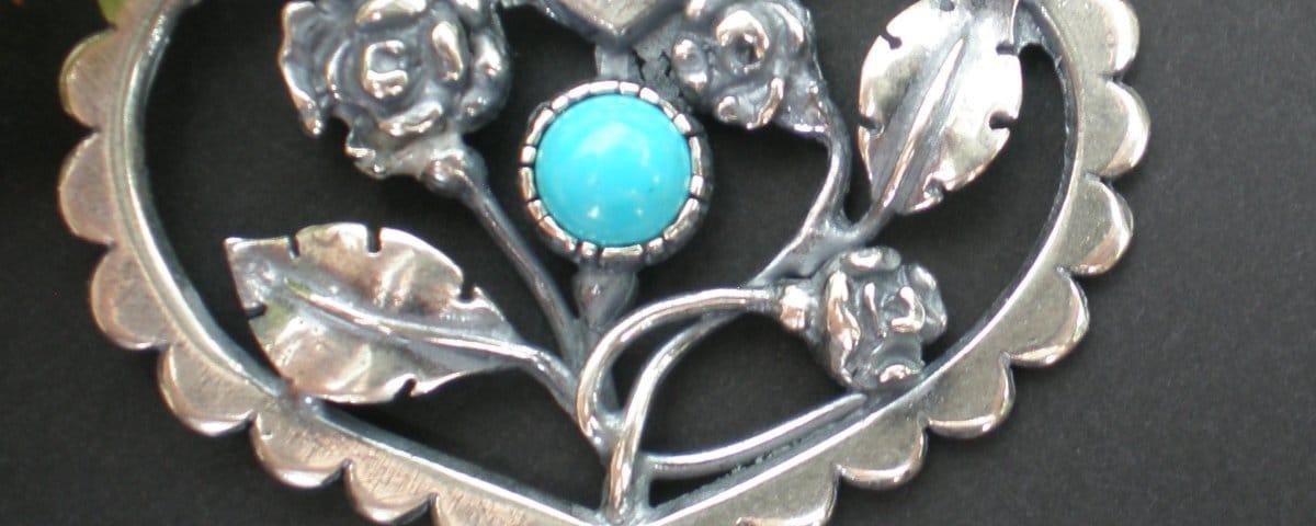 Steiner Kirtagherz Röschen aus Silber und Türkis