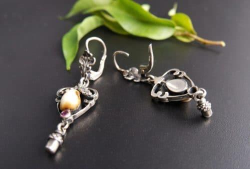 Jagdschmuck Grandlschmuck Ohrringe aus Silber mit Tiergrandeln, hintere Ansicht