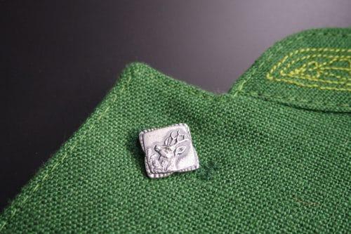Silberknopf Waidmann, Motiv: Rebhuhn in Trachtengilet