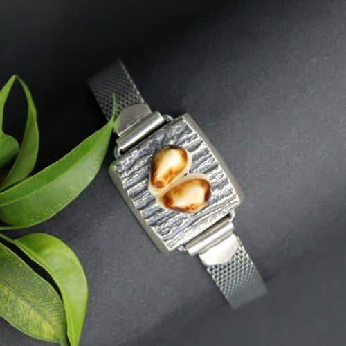 Moderner Jagdschmuck: Armband Huberta in Silber und einem Paar Hirschgrandeln