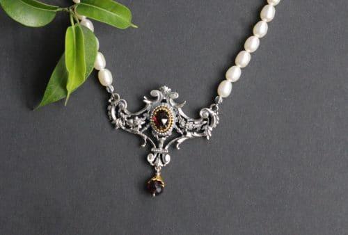 Echter Trafchtenschmuck aus der Steiermark: Perlencollier Margaritha
