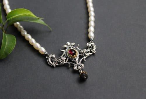 Trachtenkette Perlenkette mit silbernem Mittelteil und Granat