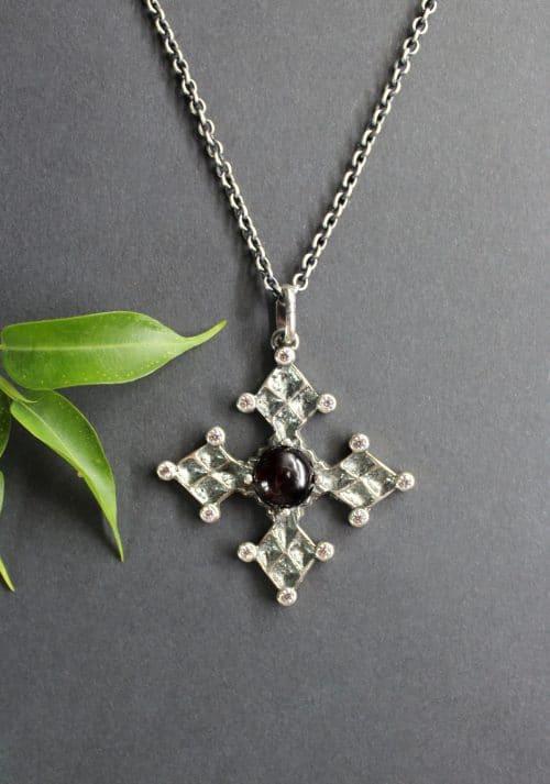"""Trachtenschmuck Kreuz Anhänger """"Krungler Kreuz"""" an Silberkette"""