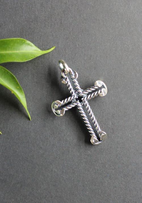 Kreuz Anhänger Johanna hintere Ansicht
