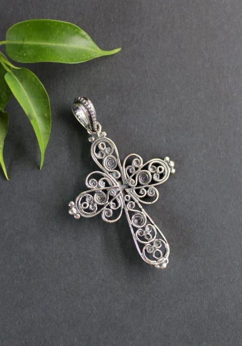 Kreuz Anhänger Julia in Silber, hintere Ansicht