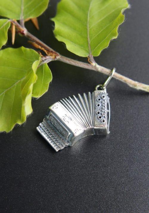 Anhänger Ziehharmonika in Silber