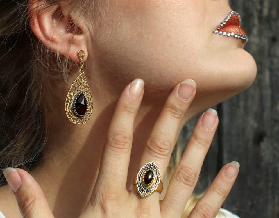 Vergoldeter Trachtenschmuck: Ohrringe und Ring Fiona